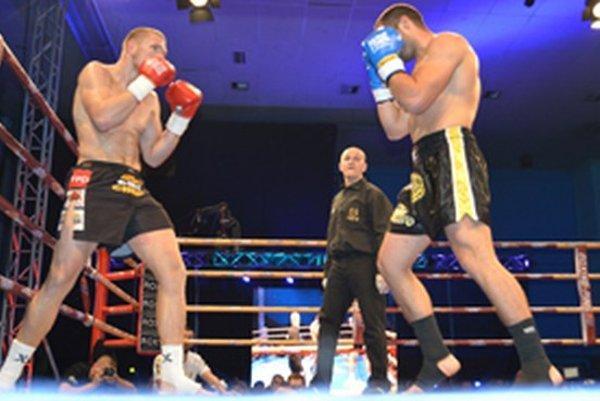 Finálový zápas, Miro Cingel (vľavo).