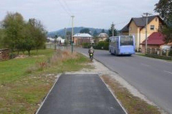 Pre neukončený súdny spor nemôžu v Podvysokej dokončiť výstavbu chodníka pre cyklistov a chodcov.