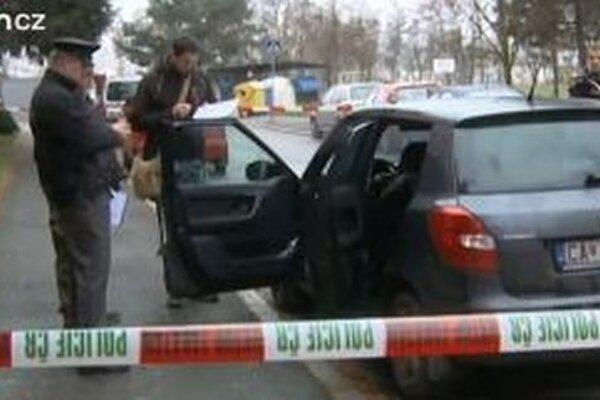 Útočník mal ženu vytiahnuť z auta, ktoré malo slovenskú značku s čadčianskou ešpézetkou.