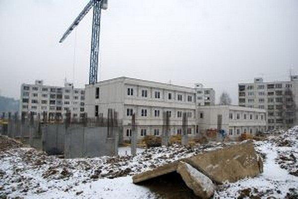 Mesto predalo v roku 2004 objekt materskej školy ako nadbytočný majetok za vyše 10 miliónov slovenských korún. Napokon poslanci rozhodli o jeho spätnom odkúpení za 265 552 eur.