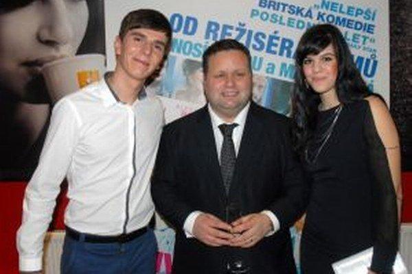 Nedávno sa Jozef Pavlusík stretol víťazom súťaže Británia má talent Paulom Pottsom.