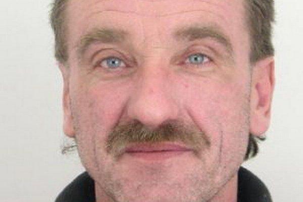 Pre neplatenie výživného hľadajú 49-ročného Josefa Mojáka z Čierneho.