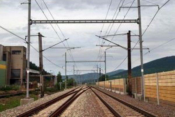 Modernizácia trate by mala na Kysuciach pokračovať v roku 2016.