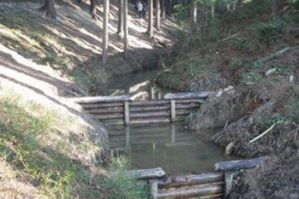 Hradenie bystrín má zabrániť čoraz častejším povodniam.