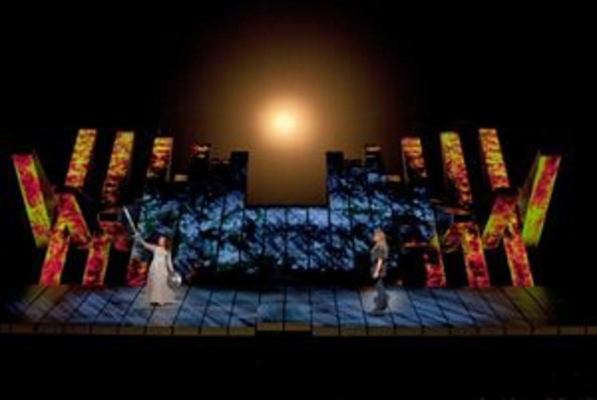 debce9b13 Súmrak bohov v Metropolitnej opere New York