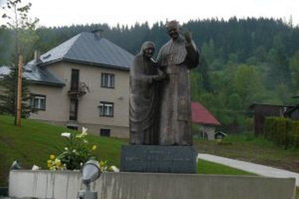 K súsošiu v Staškove pribudne čoskoro dva a polmetrové litánie k Jánovi Pavlovi II.