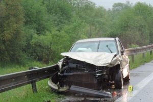 Na vozidlách vznikla škoda vo výške približne 13-tisíc eur.