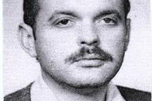 Po 47-ročnom Jozefovi Špaldoňovi pátra polícia.