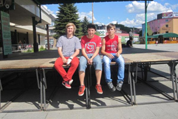 Jakub Klieštik, Tomáš Králik a Jakub Plazák - trojica tínedžerov, ktorí prišli na myšlienku zorganizovať STREET SESH DK VOL.1.
