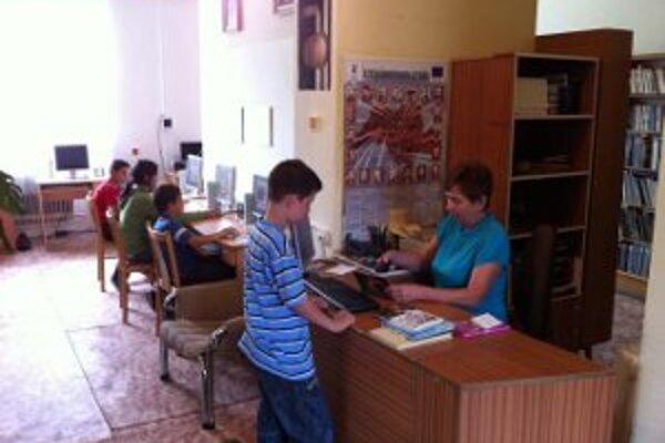 Knižnica vo Vysokej nad Kysucou. V súčasnosti je automatizovaný systém knižnice už plne funkčný.