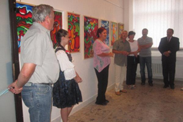 V mestskej galérii otvorili prvú z cyklu výstav neprofesionálnych výtvarníkov. Až do konca septembra môžu návštevníci mestskej galérie obdivovať obrazy Vladimíra Šufliarskeho.