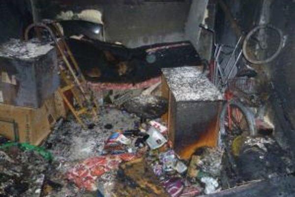 Hasičov z Čadce privolali k požiaru pivničných priestorov na Okružnej ulici.