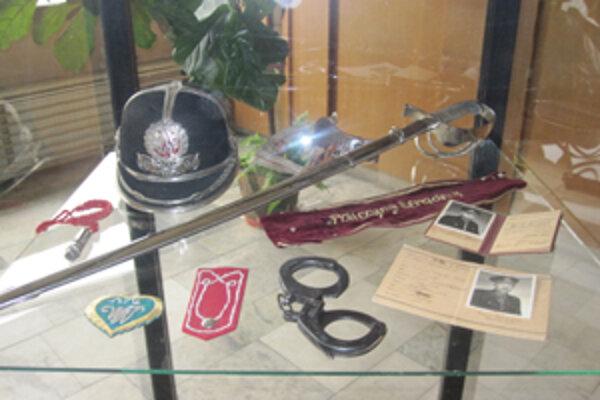 Mestská polícia si pripravila pre návštevníkov výstavu zhistórie polície.