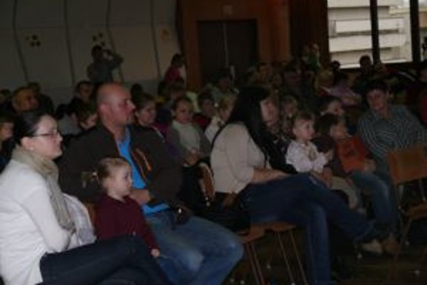 Rodičia prišli so svojimi deťmi v hojnom počte. Podujatie má už dlhoročnú tradíciu.