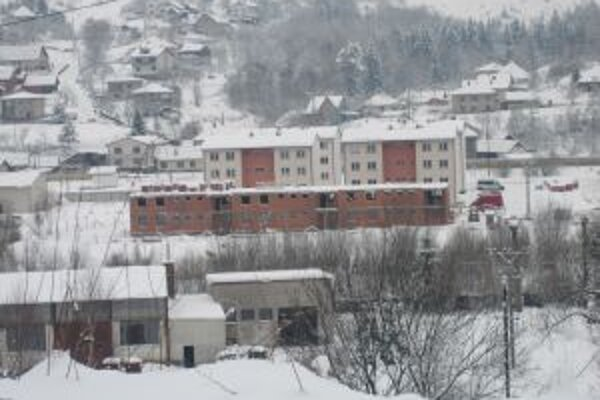 Výstavba pokračuje aj v zimných mesiacoch.