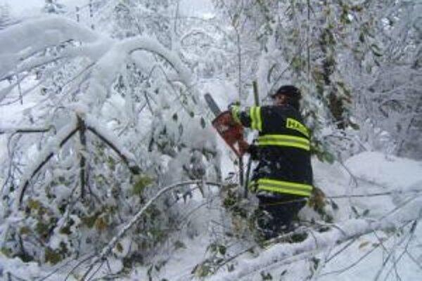 Kysucké obce zatiaľ nedostali žiadne odškodnenie za snehové kalamity.
