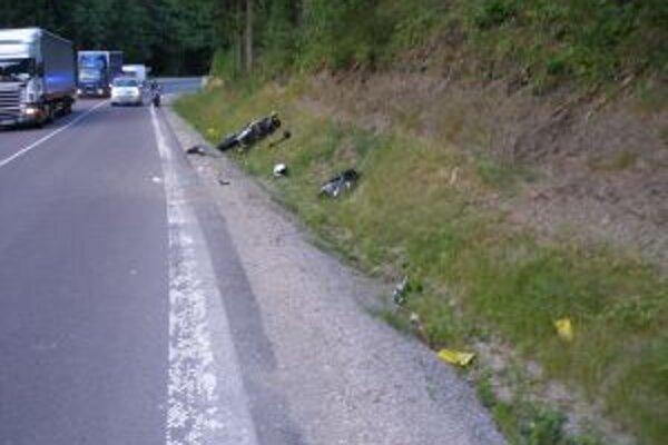 Pri nehode utrpel vodič ťažké zranenia.