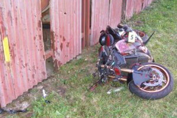 Pri nehode vyhasol život motocyklistu z Čiech.