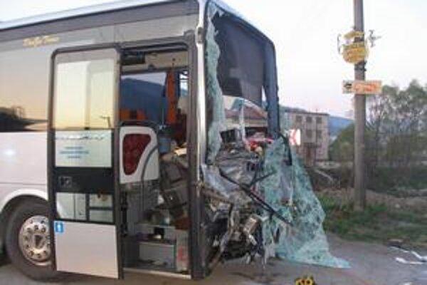 Pri nehode sa ľahko zranila jedna žena.