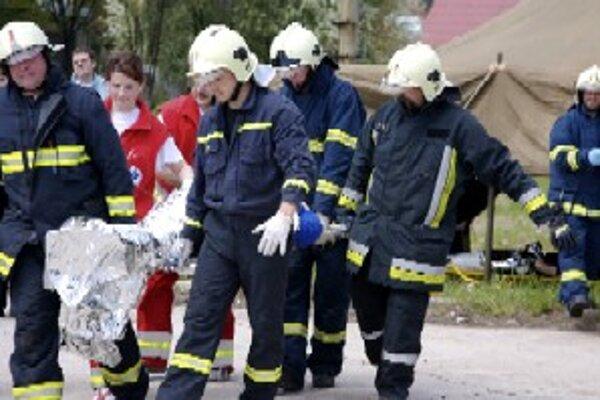Záchranári prišli včas, podarilo sa im zachrániť život Kysučanke.