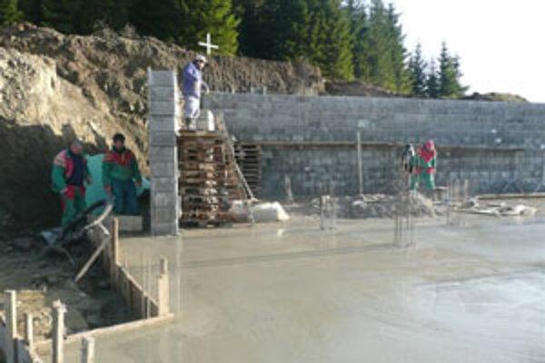 Stavba chrámu si doposiaľ vyžiadala náklady okolo 170-tisíc eur.