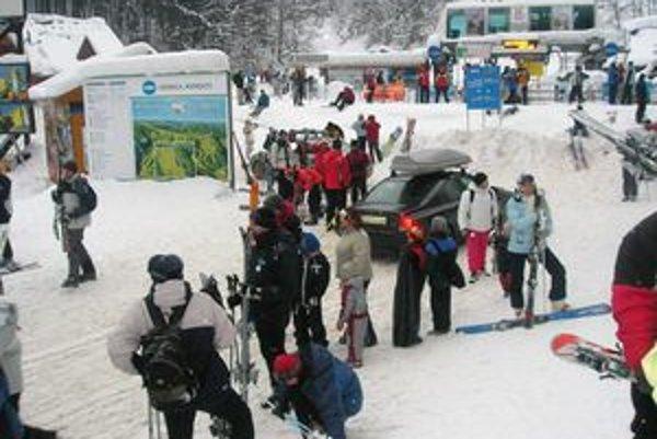 V piatok 18. decembra sa začalo lyžovať.