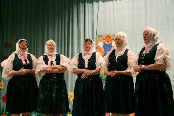 Sestry Mravcové tento rok vystúpili aj v sprievodnom programe Oščadnickej heligónky.
