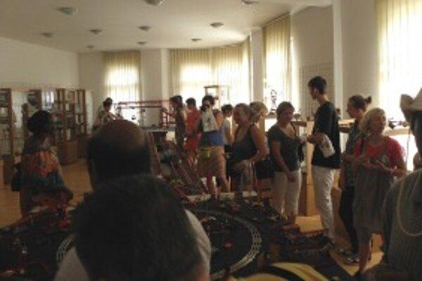 V Kysuckom múzeu si pozreli výstavu Stavebnice Merkúr.