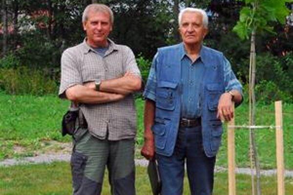 Fotograf s dlhoročným priateľom Rudolfom Gerátom na potulkách kysuckou prírodou.