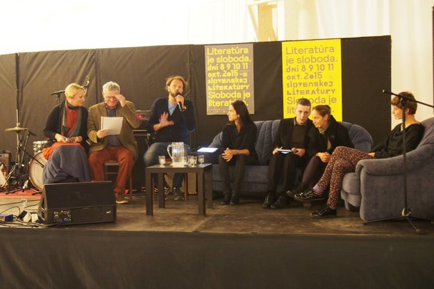Stará tržnica žila niekoľko dní festivalom literatúry. Vrcholil diskusiou spisovateľov z krajín V-štvorky.