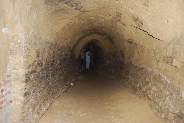 Železná panna bude hroziť v čachtickom podzemí.