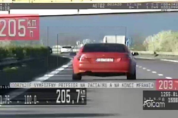 Považskobystričanovi namerali 205-kilometrovú rýchlosť.