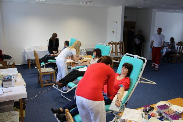 Darovanie krvi na úrade samosprávneho kraja.