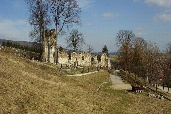 Dobrovoľníci pomohli aj pri záchrane 600-ročného kostola v Stránskom.