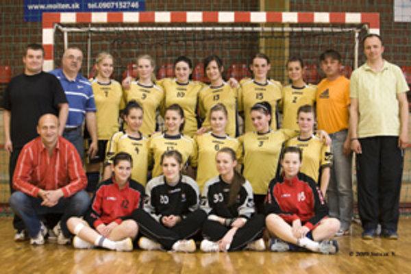 Staršie dorastenky MHK Bytča vyhrali za ostatné štyri roky štyri mládežnícke tituly.