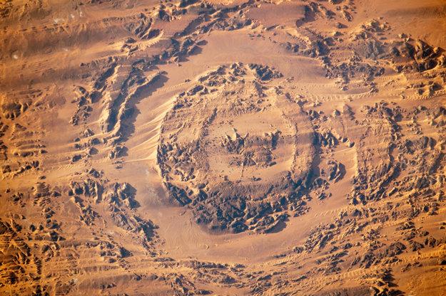 Pohyb dún pri kráteri Aorounga v severnom Čade.