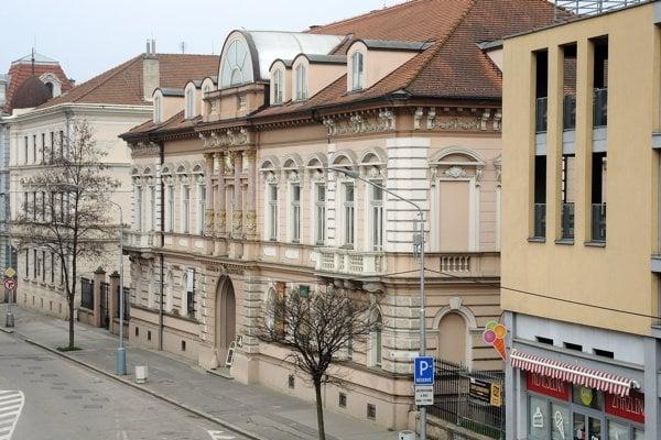 Galéria M. A. Bazovského v Trenčíne.