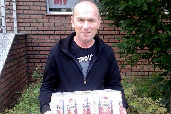 Za 6. kolo si kartón piva Corgoň rozdelili Miroslav Oslanec z Vrábeľ (na snímke) a Štefan Valovič z Rišňoviec.