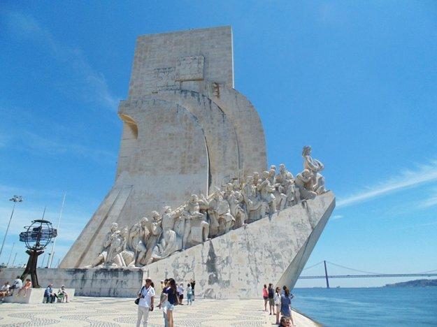 Jedným zo symbolov Lisabonu je pamätník moreplavcom Padrao dos Descobrimentos.