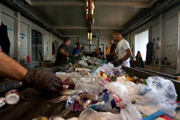 Firma OLO a triedenie odpadu.