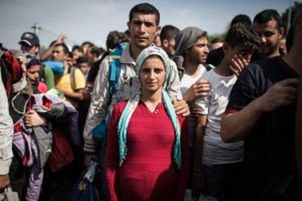 Poslanca zaujímalo, či by Ostrogrúnčania prijali vo svojej obci migrantov.