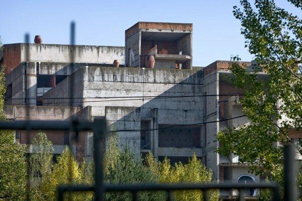 Rozostavaná nemocnica Rázsochy.