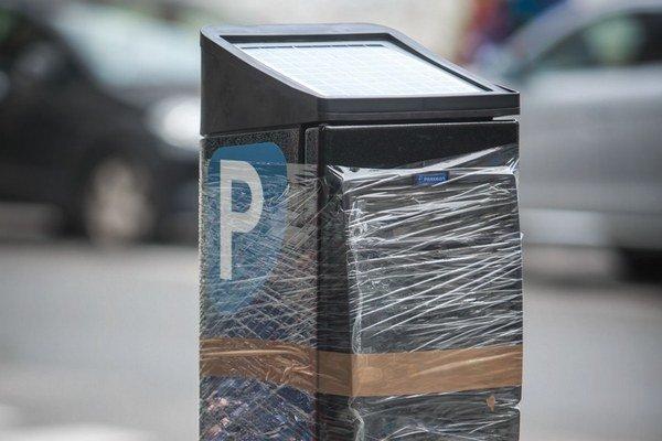 Nové parkovacie automaty budú fungovať na solárnu energiu.