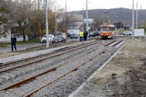 Električky vrátili na trať 18. novembra, počas prevádzky prebiehajú dokončovacie práce.
