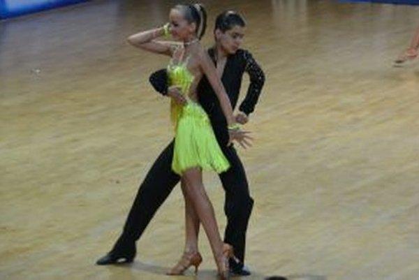 Natálka a Jarko počas vystúpenia v moskovskej hale.
