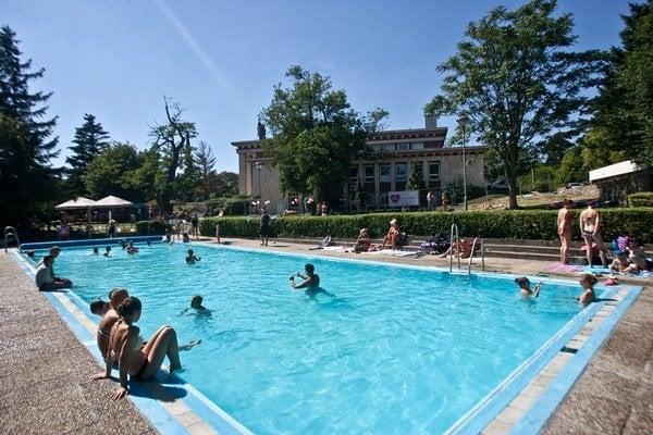 Bazén Ekoiuventy na Búdkovej je dlhý 25 metrov. Opravovali ho pred desiatimi rokmi.