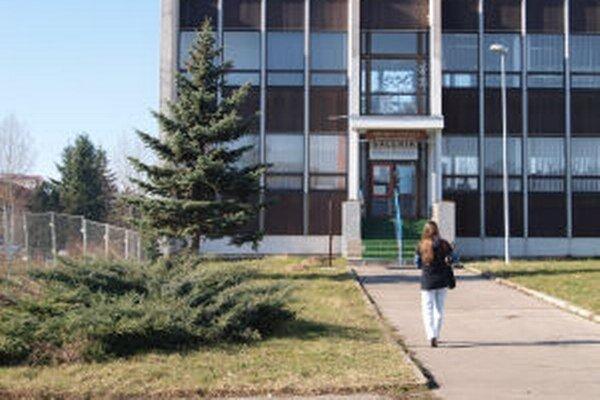 Knižnica v prístavbe mestského kultúrneho centra.