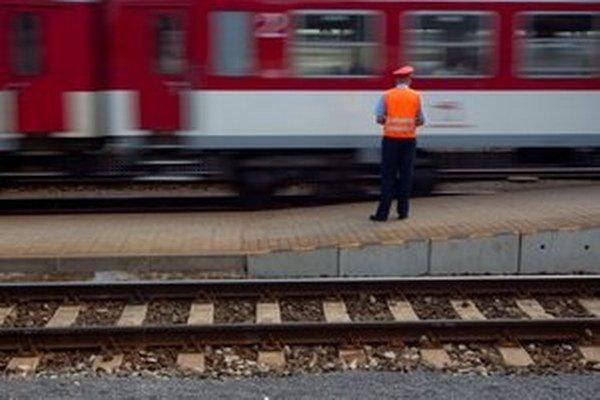 Ak dochádzate vlakom z väčšej diaľky, jeden lístok sa vám zrejme neoplatí.