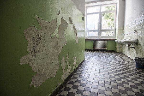 Haváriu mali aj v škole na Vazovovej.