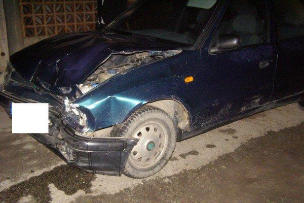Pod vplyvom alkoholu spôsobil mladý šofér škodu za päťtisíc eur.